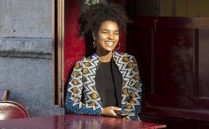 La moda africana y vasca se fusionan en el barrio de San Francisco