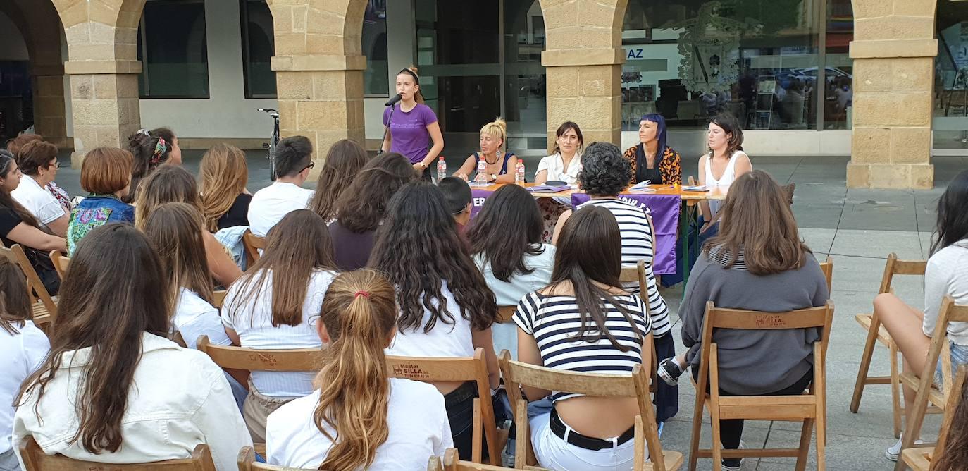 Feministas de Amorebieta piden el traslado de las txosnas