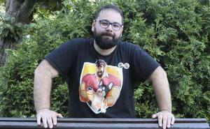El asturiano que enseñó el culo a Arrimadas en la manifestación del Orgullo Gay: «Fue una protesta política»