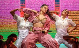¿Por qué Rosalía ha vestido igual en el BBK Live que en Coachella?