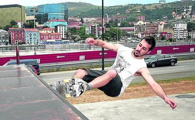 «Llevamos tiempo con el skatepark roto»