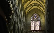 Las vidrieras de la Catedral Nueva de Vitoria en todo su esplendor