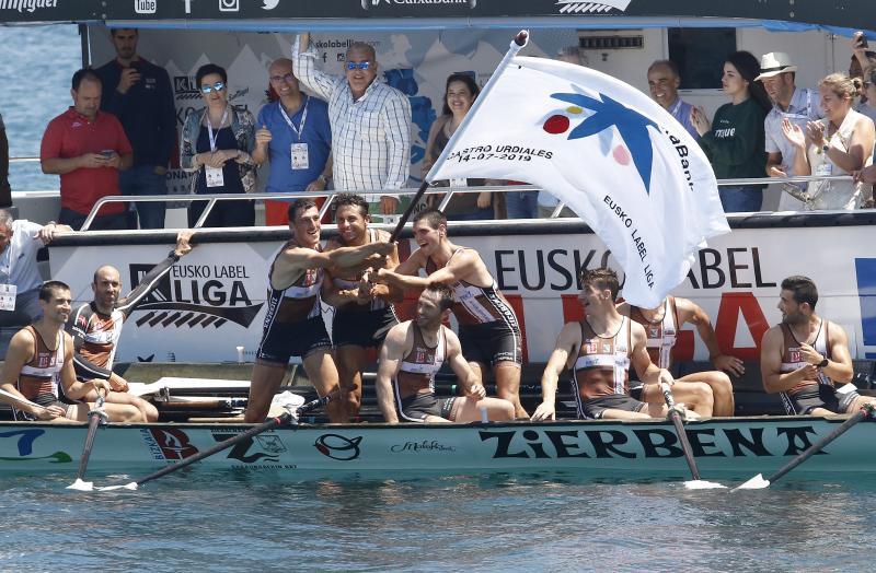 Zierbena se estrena en el caos de Castro Urdiales