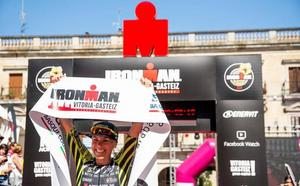 Heather Jackson arrasa en el Ironman Vitoria