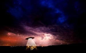 Noches de verano a la caza de platillos volantes