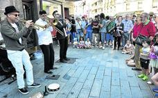 Banda sonora de jazz en las calles de Vitoria