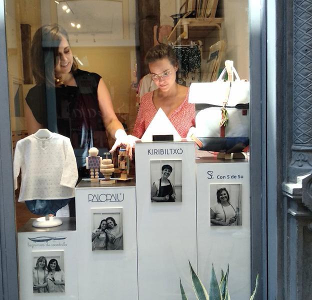 Seis mujeres creadoras abren una tienda en el Casco Viejo «con todo hecho a mano»