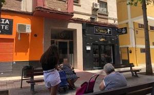 Una mujer es detenida en Málaga por matar a golpes a su padre mientras dormía
