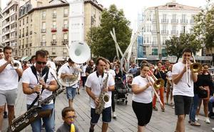 Jazz a todo ritmo por las calles de Vitoria