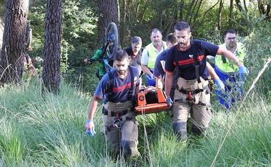 Un ciclista herido tras precipitarse en una pista forestal del Vivero