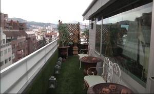 Un ático en pleno Mazarredo con una terraza para ver el monte