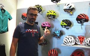 La importancia del casco y otros complementos en la bici