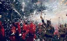 Doscientos 'diablos' harán saltar chispas de colores en Lekeitio