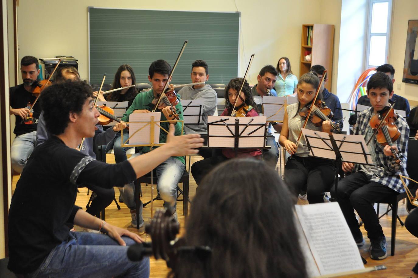 El Conservatorio de Haro hace justicia a Arana
