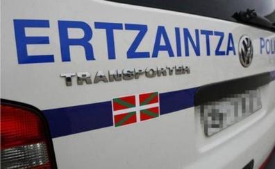 Un individuo con 28 arrestos previos hiere a otro con una lata en un brazo en Bilbao
