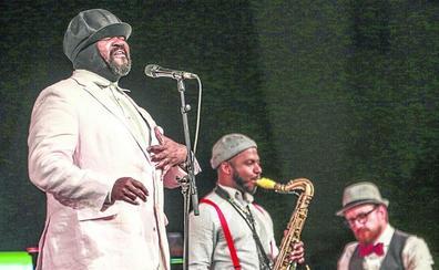 El Festival de Jazz de Vitoria garantiza su continuidad y basa el éxito de público en la noche de Drexler y Omara