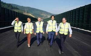 Urkullu reclama al Gobierno central más competencias para acelerar las obras del TAV