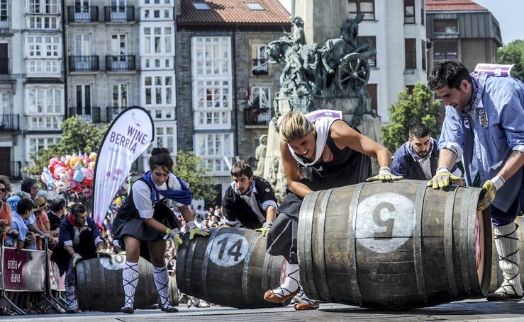 La carrera de barricas de Vitoria, en imágenes
