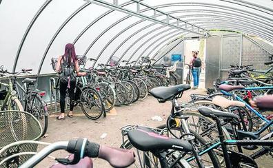 1.250 vitorianos pagan ya por aparcar su bici de forma segura para evitar la oleada de robos