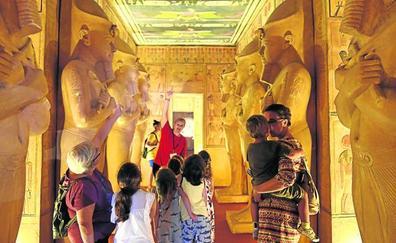 El Antiguo Egipto cobra vida en un garaje de Deusto abandonado hace diez años