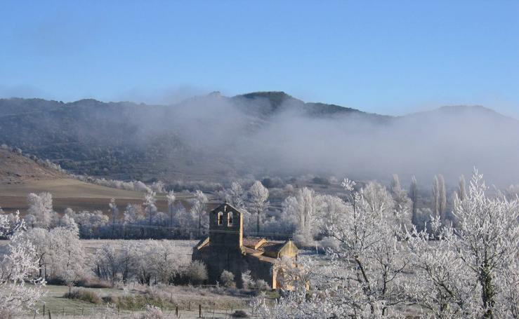 Butrera, la aldea burgalesa dormida bajo la niebla