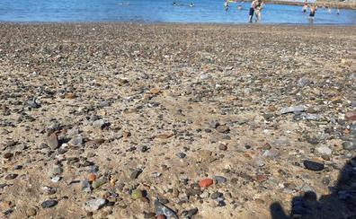 La Diputación empieza el lunes a arrinconar las piedras de la playa de Lekeitio