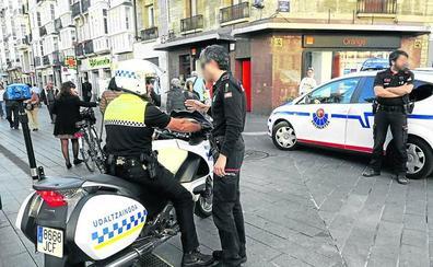Los policías locales se niegan a coger denuncias en la comisaría de la Ertzaintza