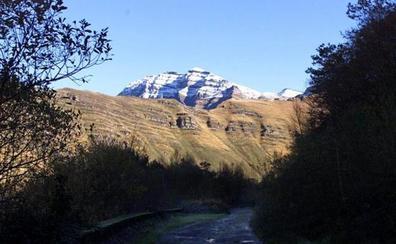 Vega de Pas proyecta hacer tres vías ferratas en la zona de Castro Valnera