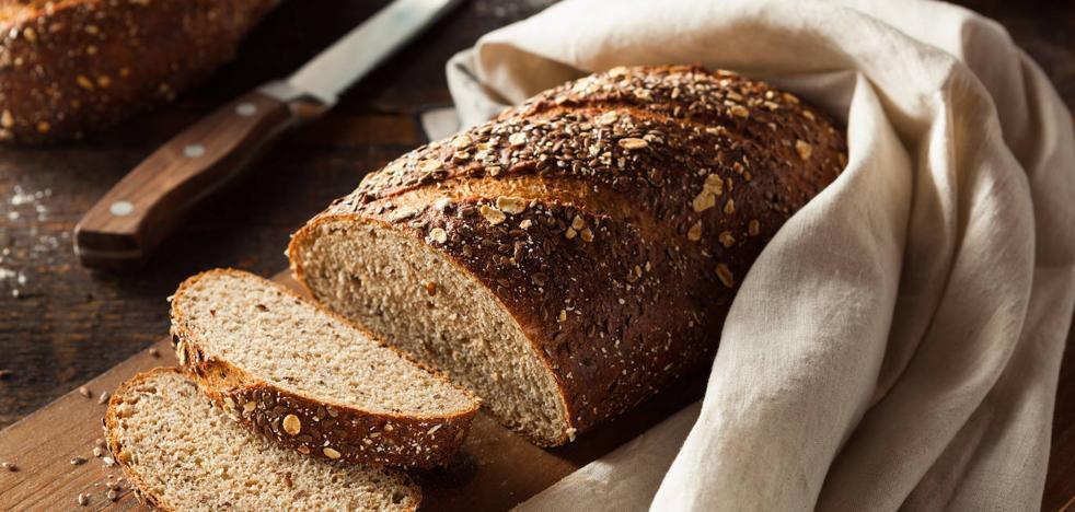 Una ramita de apio para conservar el pan tierno y otros trucos en la cocina