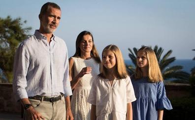 Los Reyes y sus hijas comienzan este miércoles sus vacaciones en Palma