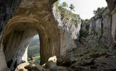 Sierra de Aizkorri: monstruos de piedra vigilantes