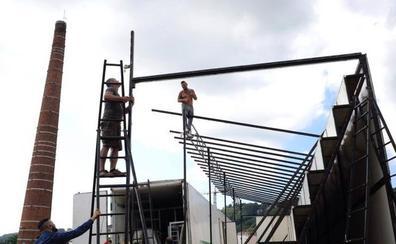Comienza el montaje de las barracas en el parque Etxebarria