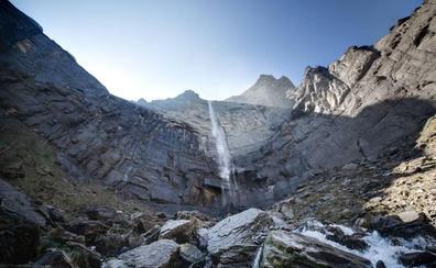 Rescatados dos montañeros heridos tras sufrir una caída en el salto del Nervión