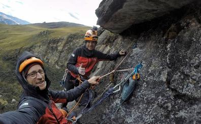 Los Pou cierran sus escaladas andinas con la nueva ruta 'Aupa Gasteiz'