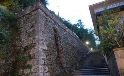 Fallece el niño de tres años que se había caído en Covadonga desde una altura de seis metros