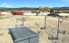 Urbico y PCM comienzan a construir en sus parcelas de Ircio