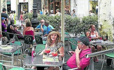 La cruzada de la Generalitat contra el tabaco: ni en terrazas ni en el coche