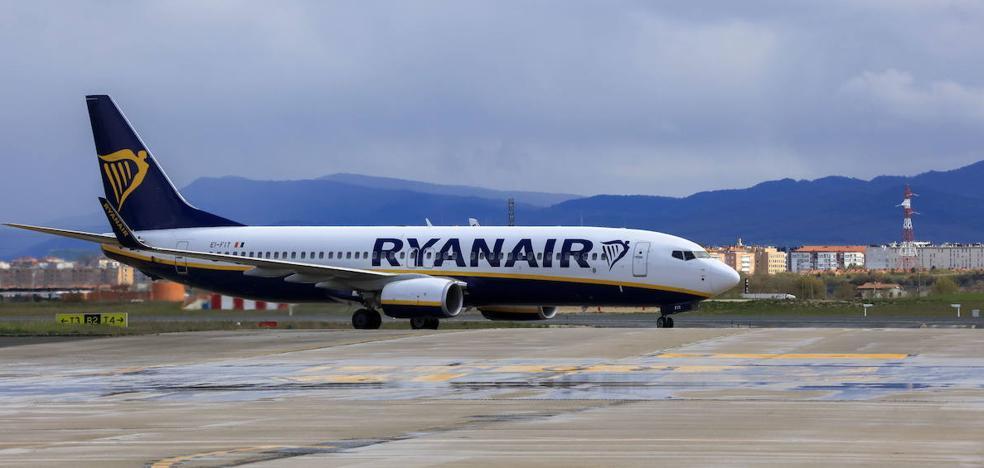 Ryanair asegura que la conexión de Foronda con Tenerife se mantiene, a pesar del cierre de la base canaria