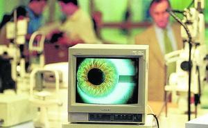 La inyección ocular desbanca a las cataratas como la intervención oftalmológica más habitual