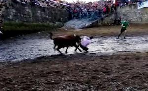 La sobrecogedora cogida en la sokamuturra de las fiestas del Puerto Viejo de Algorta se queda en un susto