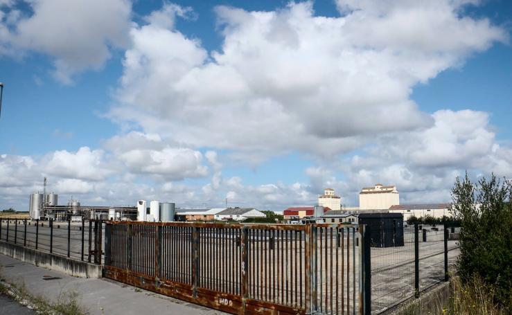 La reconstrucción de Quesos Aldanondo, en el aire por el bloqueo de la aseguradora