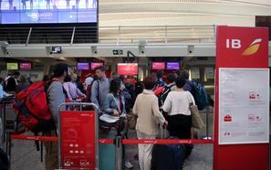 Se mantiene la normalidad tras el segundo de los paros previstos para hoy en el aeropuerto de Loiu