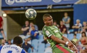 El jugador del Alavés Verdon, detenido por un presunto delito de violencia de género