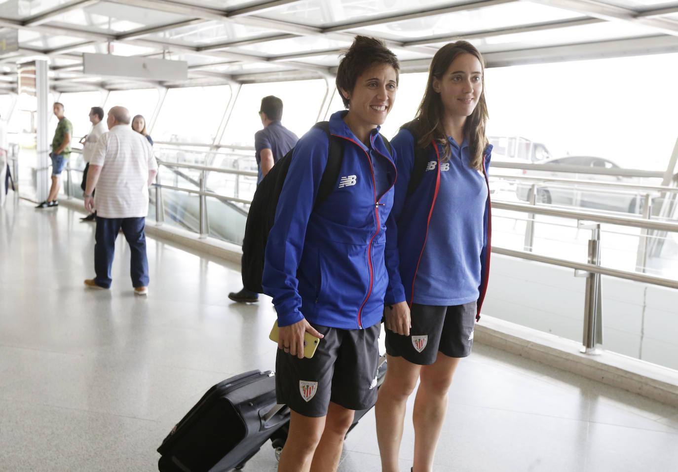 La llegada del Athletic a Loiu, en imágenes