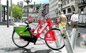 El Ayuntamiento de Bilbao se plantea encarecer las bicis de alquiler para evitar su mal uso