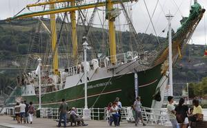 El buque-escuela 'Alexander von Humboldt II' atraca en Bilbao