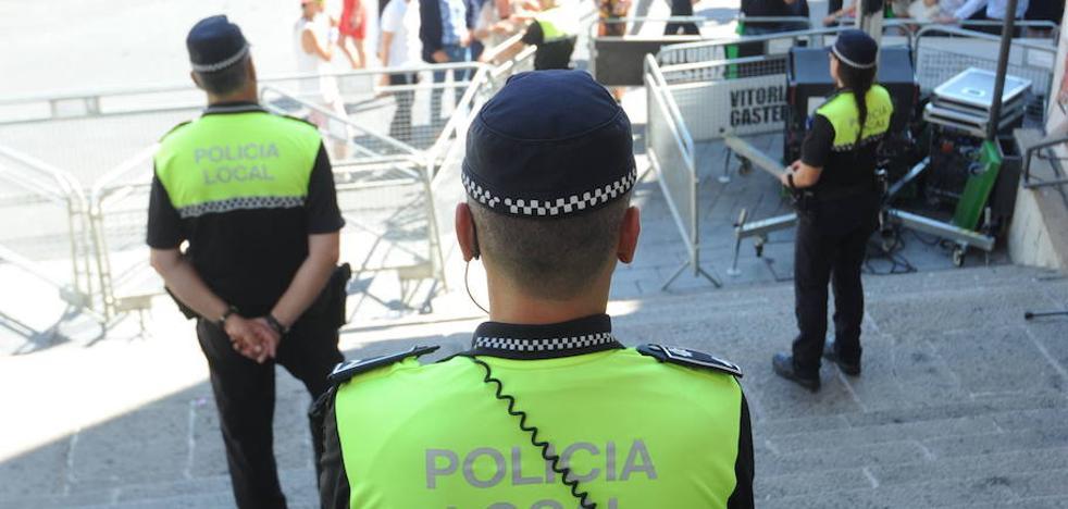 Tres detenidos tras caer mientras escalaban para robar un ordenador portatil en Vitoria