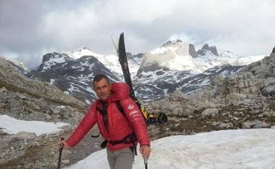 Érik Pérez, el guía de montaña en activo más antiguo de los Picos de Europa