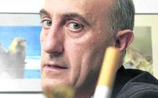 «Los gobiernos de España son cómplices de la industria tabaquera»