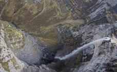 Con el abismo bajo los pies en el Monte Santiago